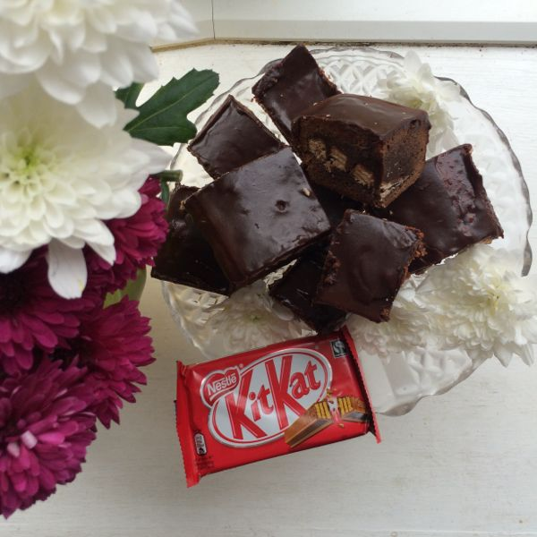 KitKat Brownies (Guest Post)